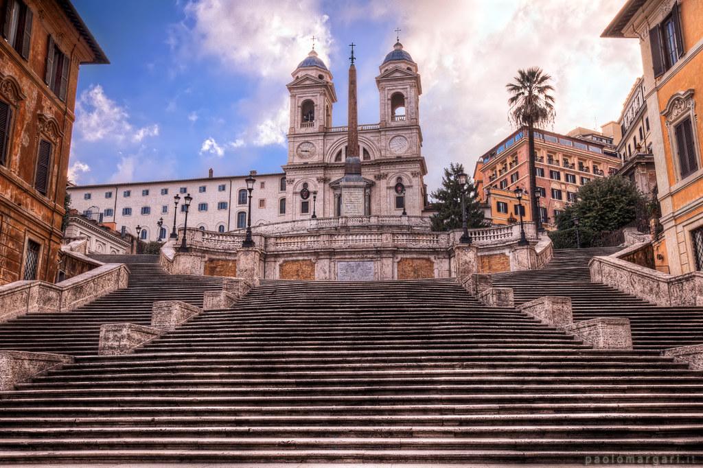 Spanish Steps in Rome Piazza di Spagna, Roma, Italia HDR