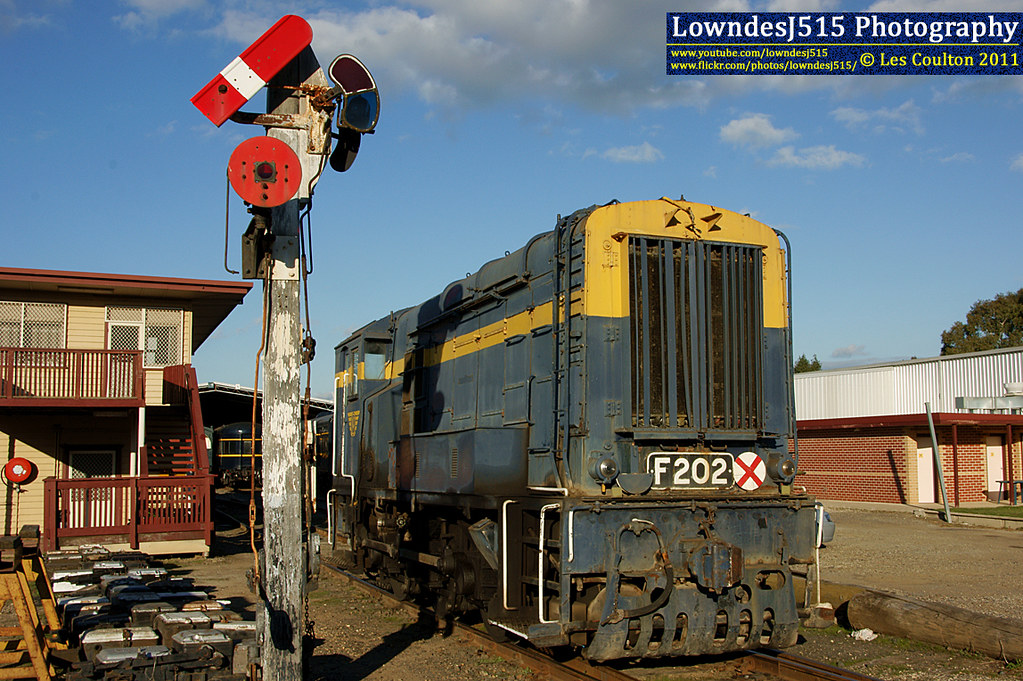 F202 at Seymour by LowndesJ515