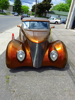 Ancienne auto ,  Ford 1937 (2)