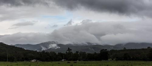 landscape cloudcap dairyflat richmondvalley macphersonrange cloudscape lateafternoon northernrivers nsw australia australianlandscape house