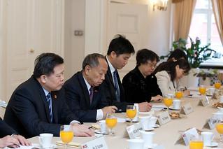 Gundars Daudze tiekas ar Ķīnas parlamenta delegāciju | by Saeima