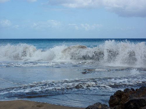 Crashing Waves (04/04/2011)