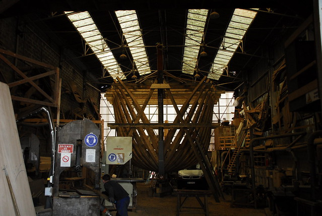 construction d'un chalutier en bois