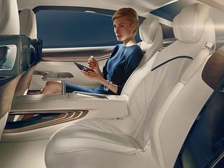 17 BMW-2014-Vision-FL-INT08