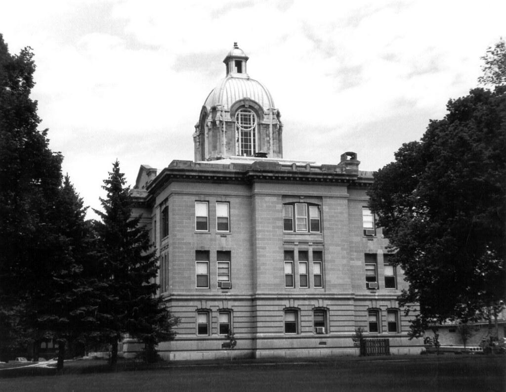 Brookings County Courthouse   Brookings, South Dakota