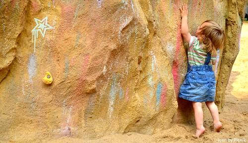 Wall girl (http://www.pusteblumenbaby.de/) | by Maja&Co