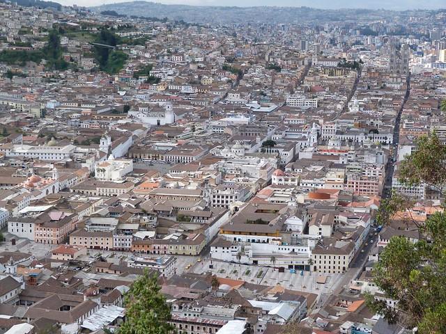 Vistas panorámicas desde El Panecillo (Quito, Ecuador)