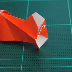 การพับกระดาษเป็นรูปปลาทอง (Origami Goldfish) 027