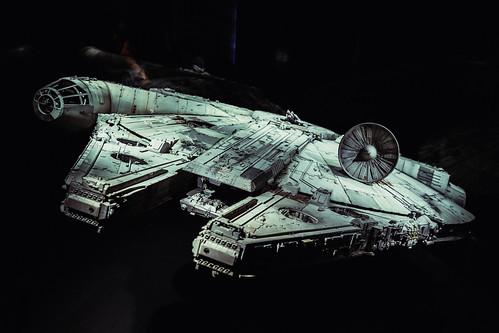 Millennium Falcon (Full)   by iamkory