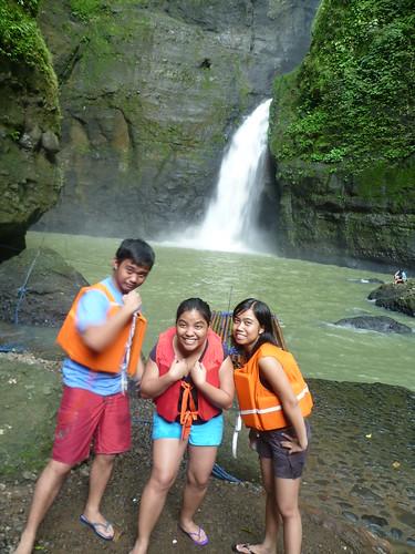 Taking a Canoe Trip to Pagsanjan Falls | by JMParrone