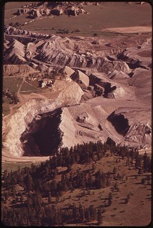 Peabody Coal Company strip mine, south of Colstrip, 06/1973.