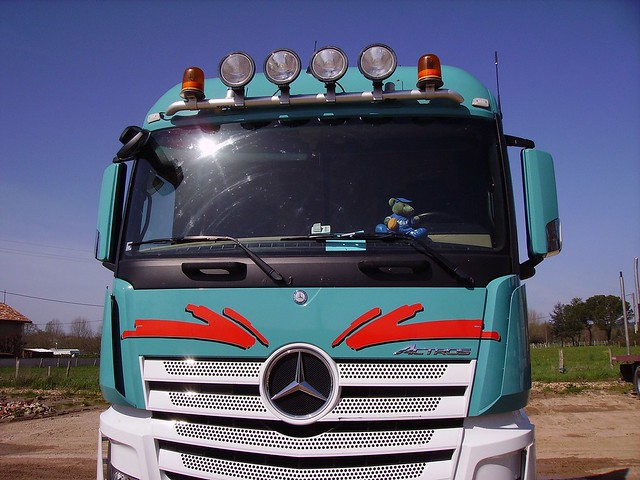Mercedes-Benz Actros 1845 BlueEfficiency Power - front