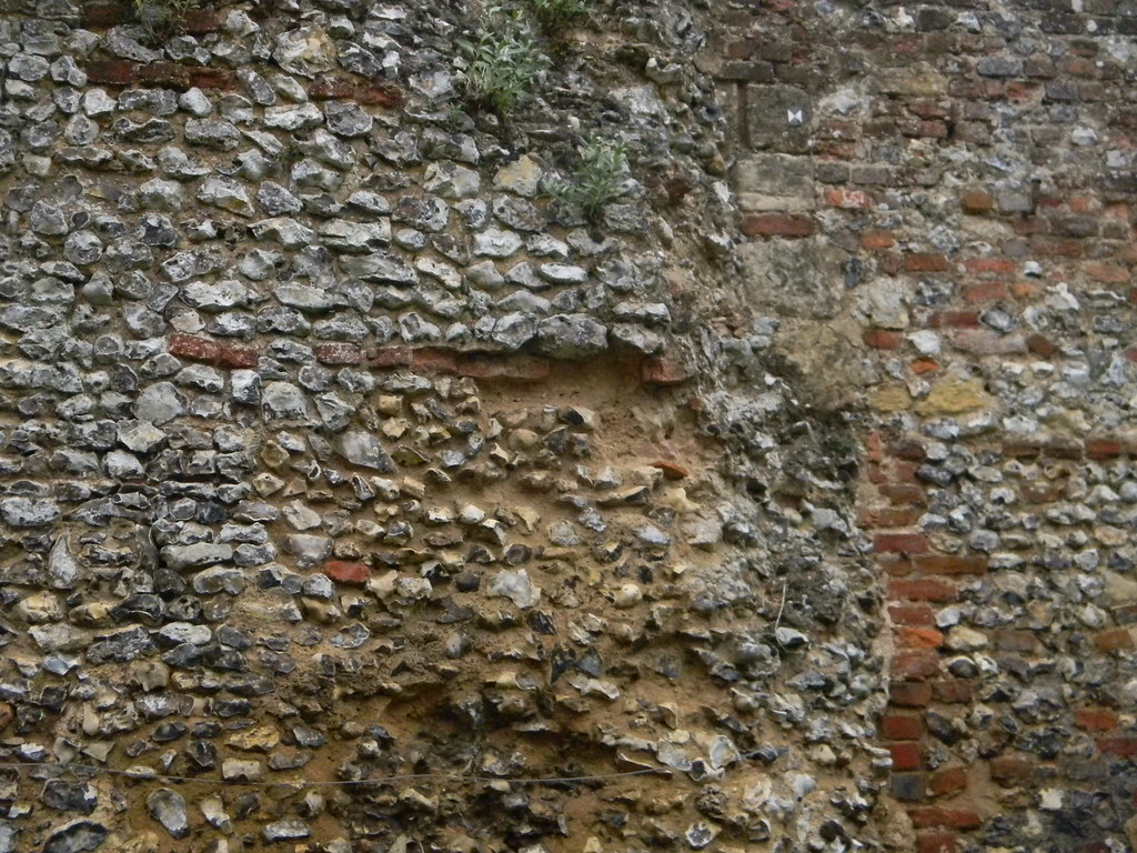 Old wall, Grey's Court Grey's Court, Shiplake to Henley