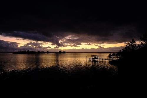 arloguthrie fujifilmxt2 indianriver florida sunrise darkesthour xf1024mmf4rois indianriverlagoon thecrabhouse twilight