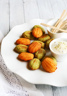 mini madeleines de pesto verde y rosso | by Lovefood.es