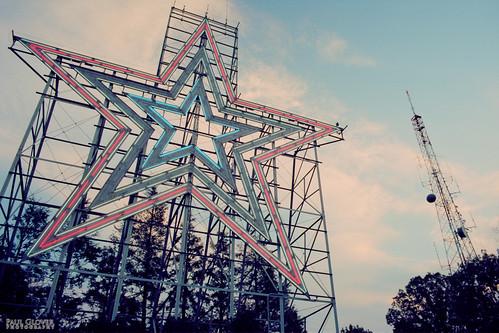 sky usa film analog virginia twilight landmark structure roanoke antenna canonf1 millmountainstar kodakektar100 millmountainoverlook