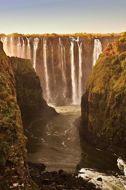 Zimbabwe / Zambia Border Victoria Falls _D7C19233