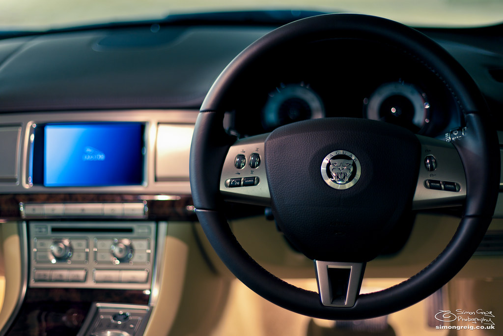 2010 Jaguar XF Interior | Extreme DOF at f/1 4  Focus on the… | Flickr