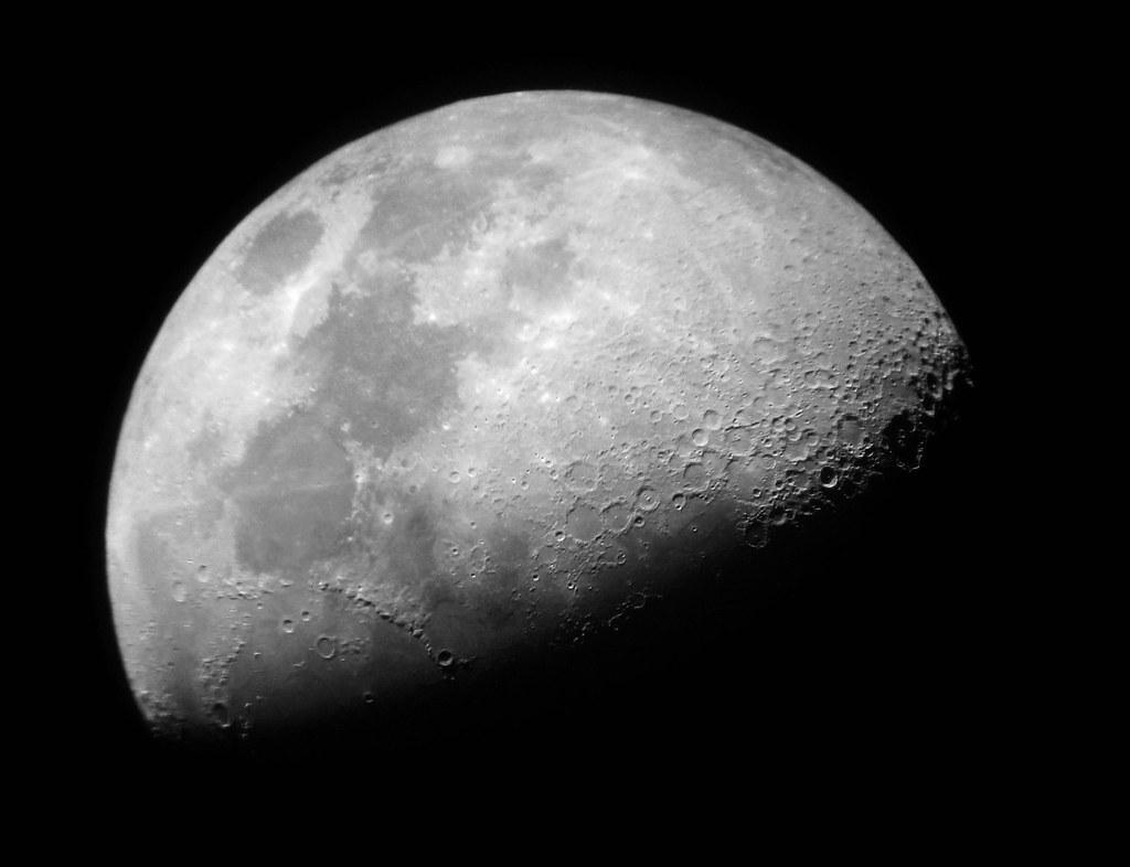 Luna Primer Cuarto o Cuarto Creciente   astrofotograncanaria…   Flickr