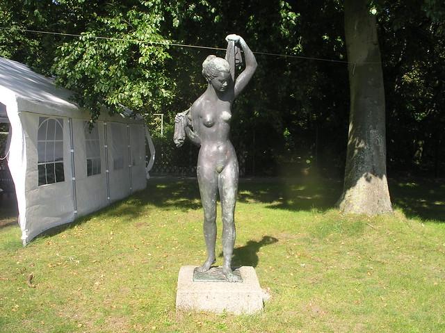 1955 Berlin-O. Badende von Walter Lerche Bronze Seebad an der Dahme Möllhausenufer 30 in 12557 Wendenschloß