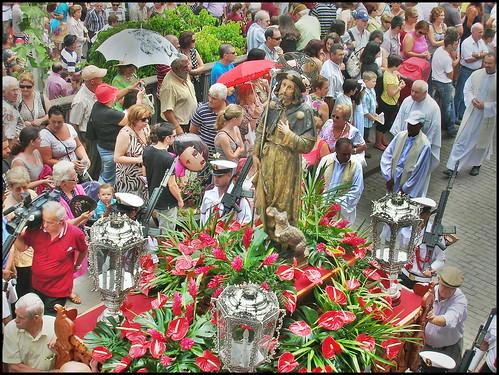 Mª Elena Rodríguez León San Roque en procesión. Fiesta de San Roque 2010 Firgas