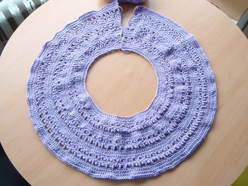 Yoke & top of sleeves