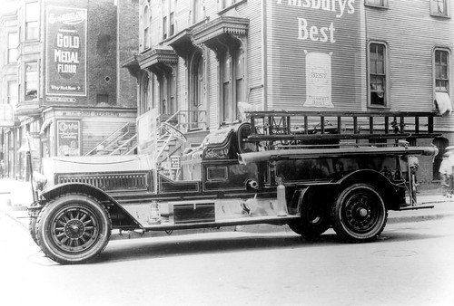 Chicago Engine 19 - 1919 Seagrave