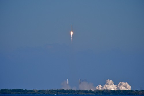 day dragon rocket capecanaveral launch cots project365 spacex 342365 falcon9 dragonc1