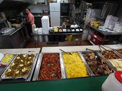 土, 2010-12-04 11:52 - Hank Seafood & Grill 厨房
