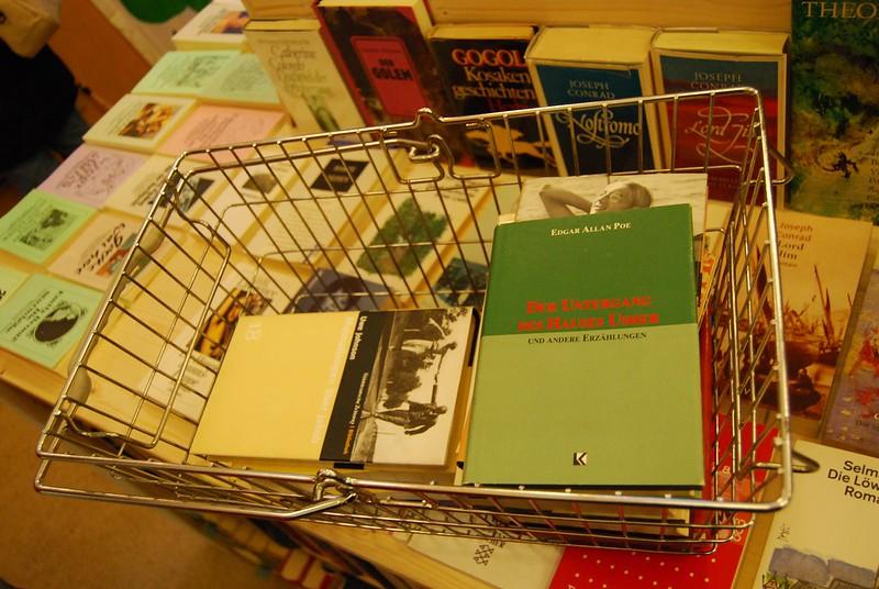 Berliner Büchertisch - Carrotmob Einkaufskorb.JPG