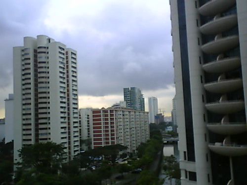 From Internet Camera(singaporeweather.ath.cx:8081)2010/12/20,17:38:50 | by ngotoh