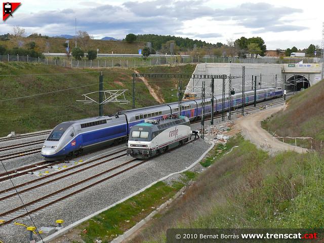TGV i 252 mercaderies a Figueres-Vilafant