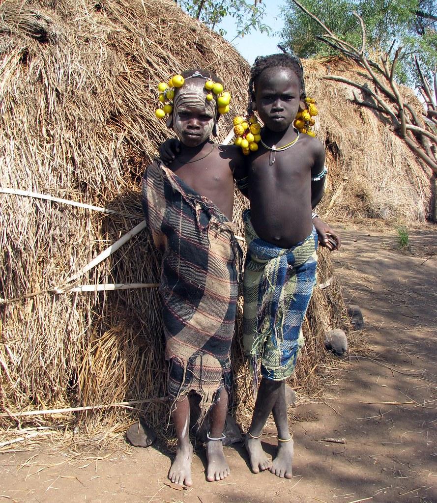 Boys belonging to the Mursi tribe ( Ethiopia) - Arthurimmo