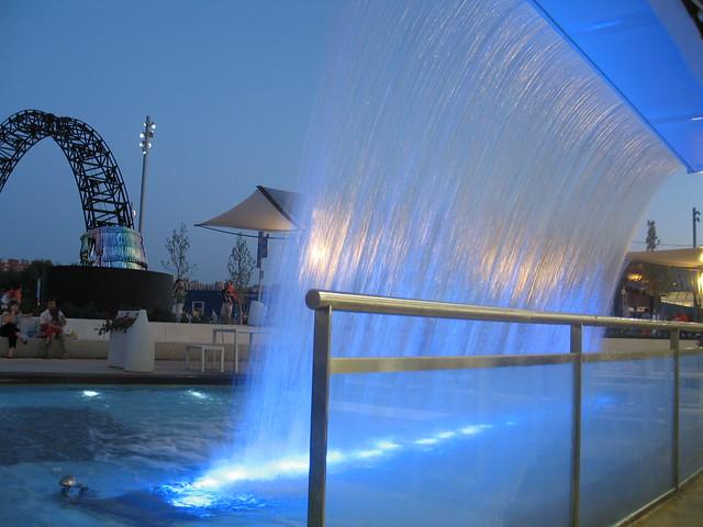 Expo Zaragoza 2008. Cascada azul