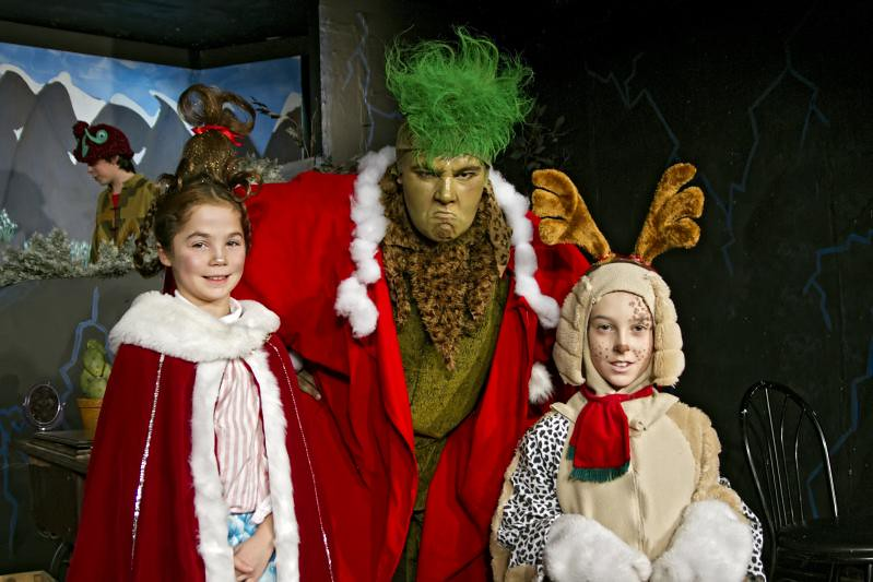 The Grinch Who Stole Christmas Cast.Cast Of The Grinch The Black Horse Village Players Put On