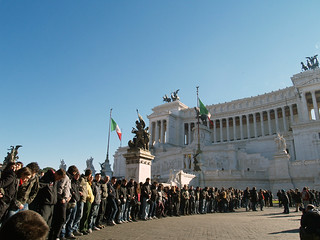 UNITI CONTRO LA CRISI  / United against the crisis