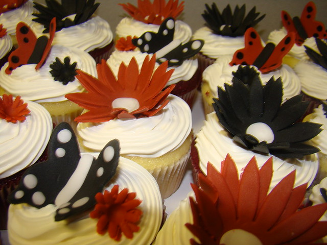 black butterfly bridal shower cupcakes