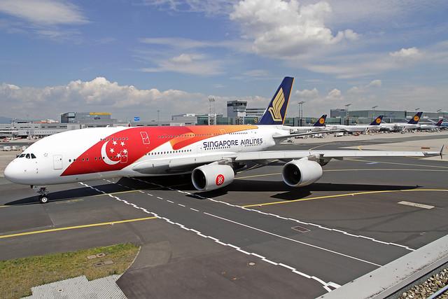 Singapore Airlines Airbus A380-841 9V-SKI FRA 25-06-15