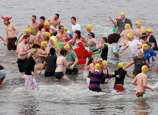 Loony Dook 2011 South Queensferry