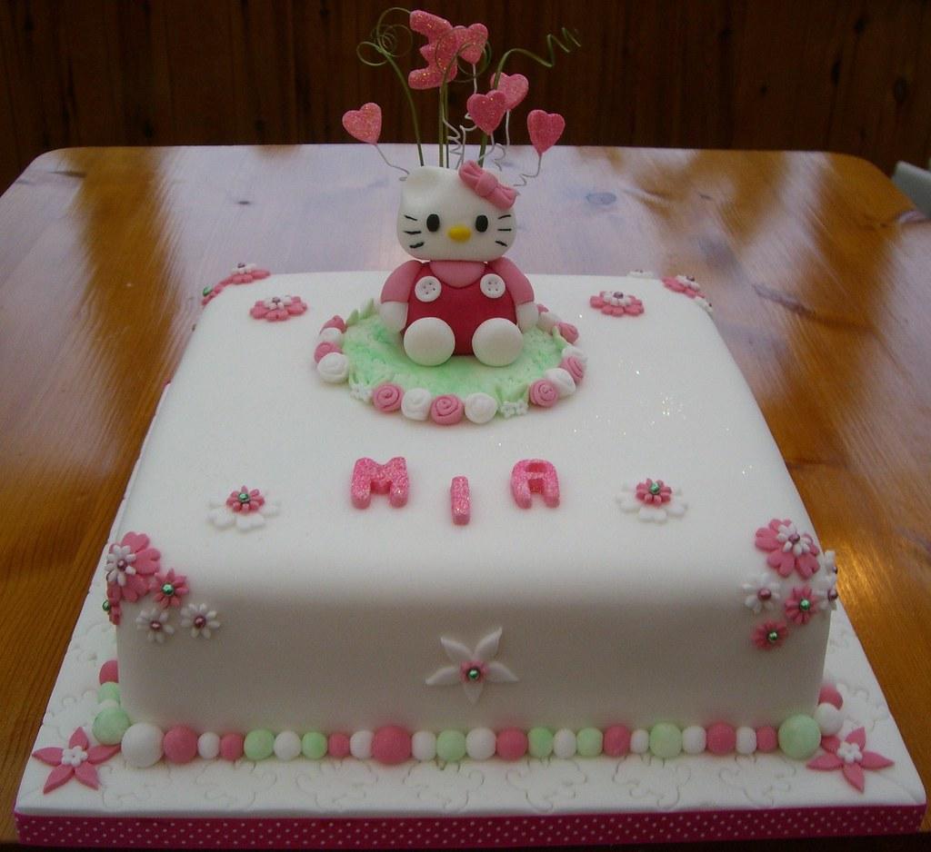 Tremendous Hello Kitty Birthday Cake A Birthday Cake For Mia Who Was Flickr Personalised Birthday Cards Veneteletsinfo