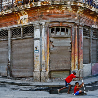 fun times on the streets of Old Havana | by Phil Marion