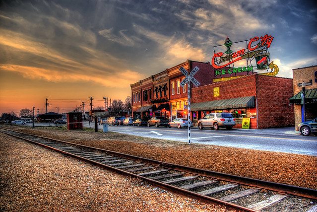 Broad St, Cookeville, TN