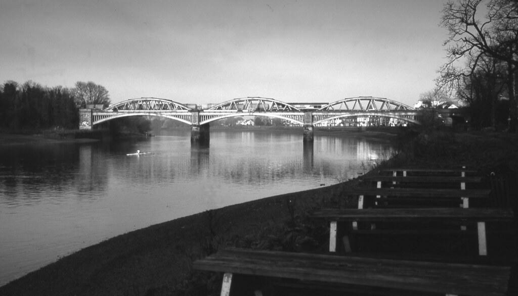 Barnes Br BW   Barnes railway bridge over the Thames SW ...