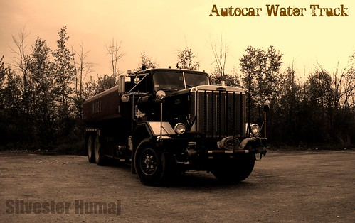old school bw usa white black classic water wheel sepia truck big view angle body 10 traditional low duty large headlights beam made american frame round whip huge trucks lory tight heavy 34 whips h20 behemoth hoopty hooptie sealed autocar