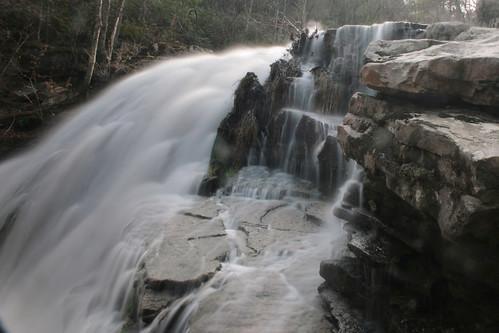 longexposure water rock virginia waterfall va slowshutter 2011 roaringrun roaringrunwaterfall