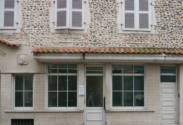 Pau (Pyrénées Atlantiques): hôtel Bernadotte et hôpital de nuit jouxtant la maison natale de ... Bernadotte
