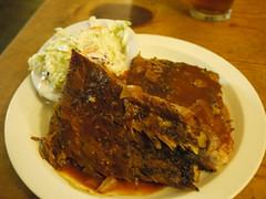 土, 2011-03-12 20:48 - Fat Alley BBQ ポークリブ(ハーフ)とコールスロー