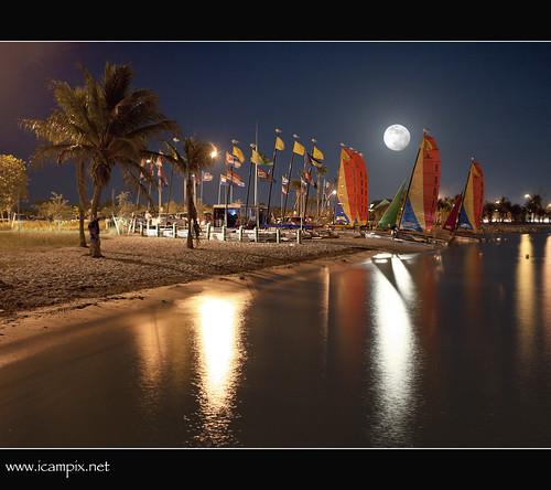 sun moon earth lunar 2011 bigmoon abigfave anawesomeshot colorphotoaward ultimateshot biggestmoon lagrandeluna supermoon flickrsportal xmaxprocessing supermoon2011 2011supermoon xmax0632