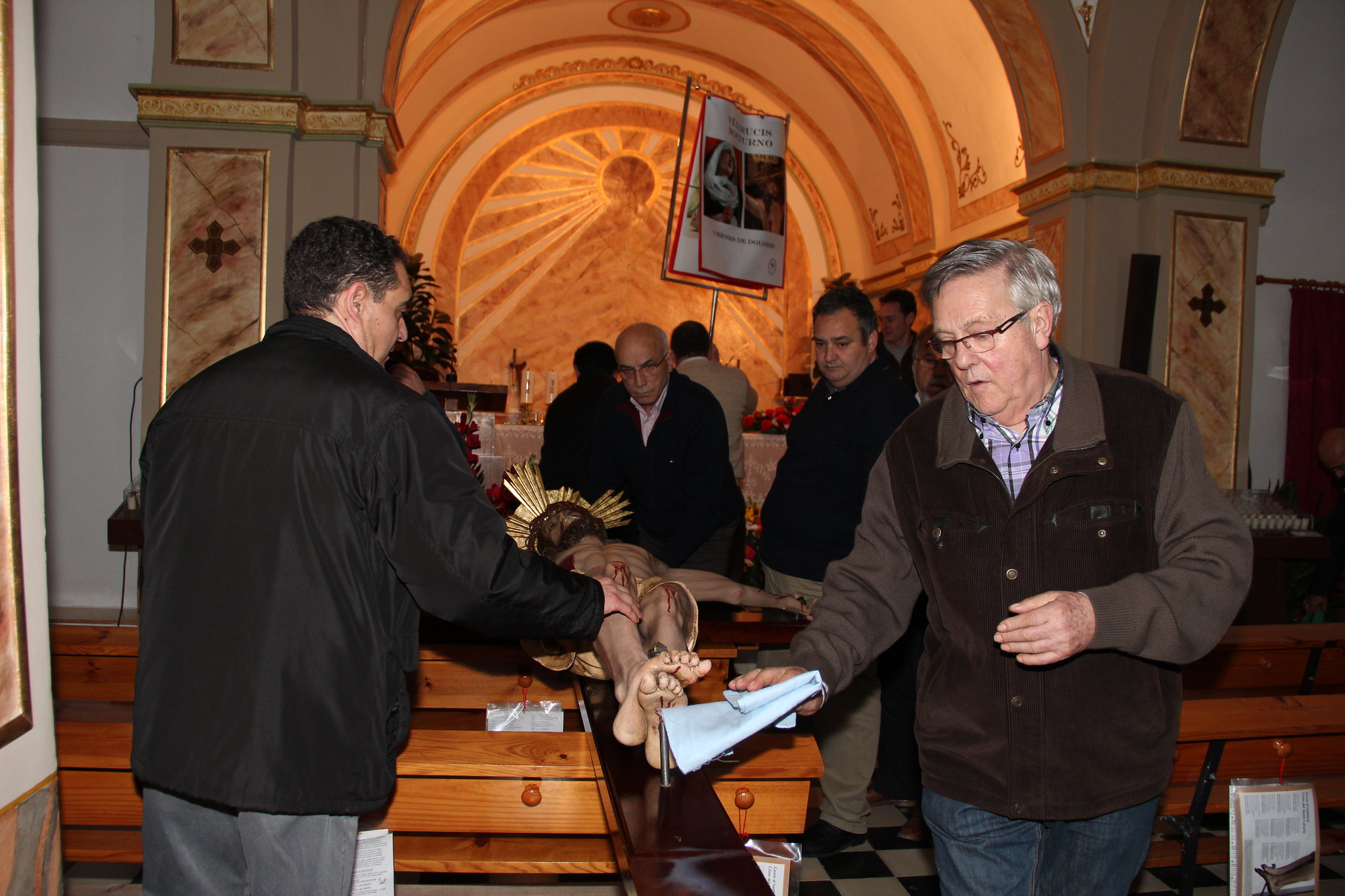 (2015-03-27) - VI Vía Crucis nocturno - Antonio José Verdú Navarro (90)