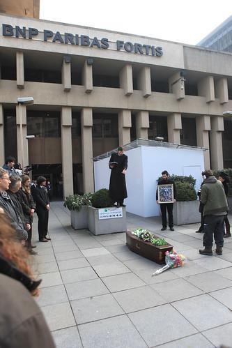 Funeral at BNP Paribas Bank, Deutsche Bank & ING | Met een ...